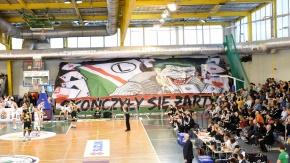Oprawa kibiców na meczu Legia - Trefl (VIDEO)